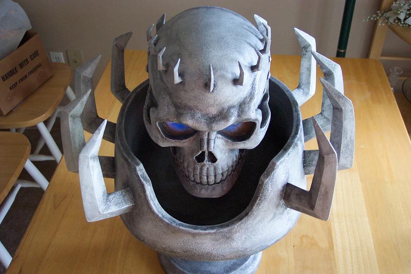 http://www.berserkstatues.com/skdotnet/helmets/sk4.jpg